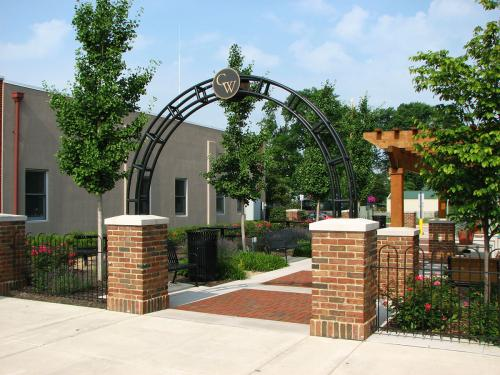 Commercial landscaper Columbus Ohio landscaping amenities