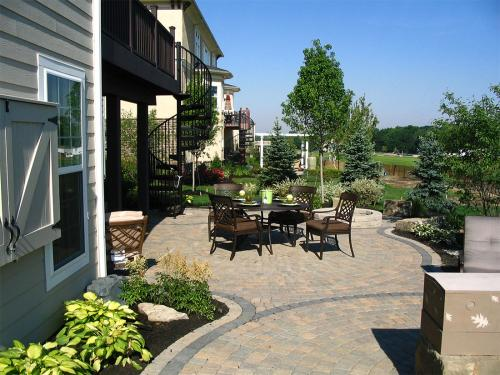Residential landscape architect Columbus OH beautiful backyard deck